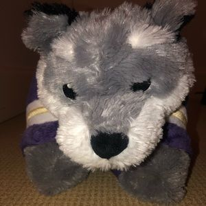 Washington Huskies pillow pet